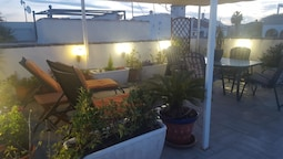 House With 2 Bedrooms in Torrevieja, With Pool Access, Furnished Garde