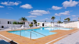 Apartment With 2 Bedrooms in Puerto del Carmen, With Wonderful sea Vie