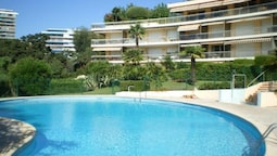 Apartment With 2 Bedrooms in Cannes, With Pool Access, Enclosed Garden