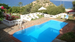 Apartment With one Bedroom in Ammoudara, With Pool Access, Balcony and