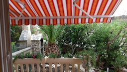 Apartment With 2 Bedrooms in Novalja, With Enclosed Garden and Wifi -