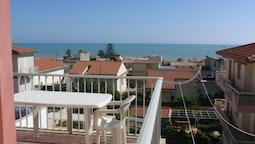 Apartment With 3 Bedrooms in Marina di Ragusa, With Wonderful sea View