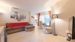 Apartment With one Bedroom in Saint-raphaël, With Enclosed Garden - 10