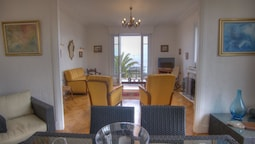 Apartment With 2 Rooms in Cannes, With Wonderful sea View, Enclosed Ga