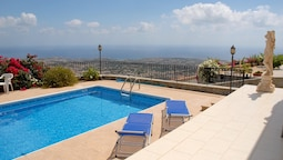 Villa With 3 Bedrooms in Peyia, With Wonderful sea View, Private Pool,