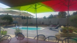 Apartment With 2 Bedrooms in Velaux, With Pool Access, Furnished Garde