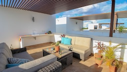 Luxury House Steps Away from Akumal Beach by Olahola