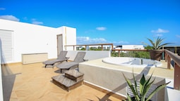 Ocean View Rooftop Penthouse by Olahola