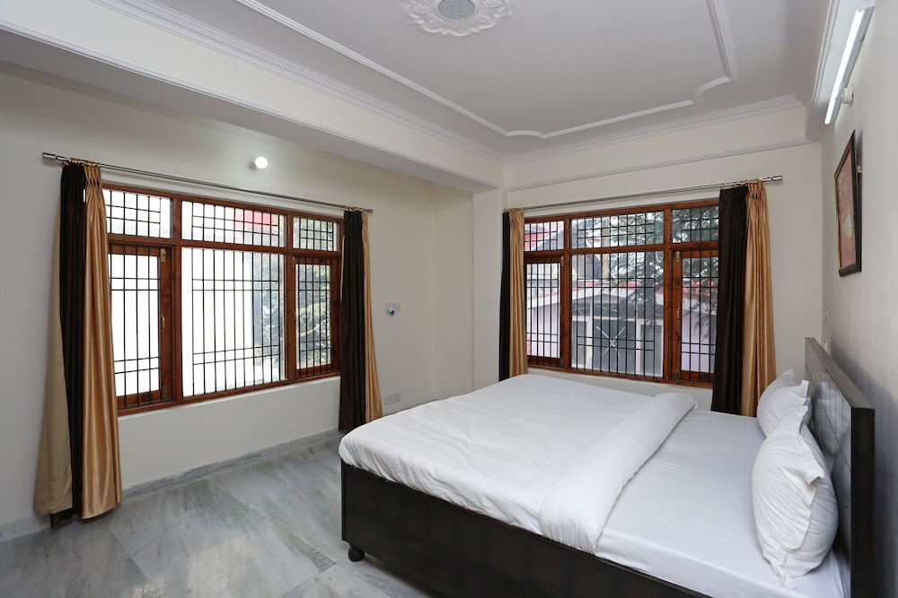 OYO 9102 Home Cozy 3BHK Near Mall Road