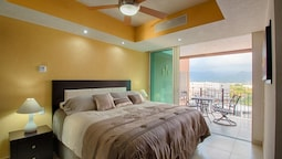 Beachfront Condo at Grand Venetian
