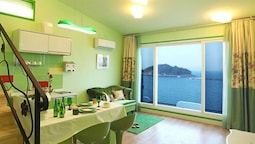 Namhae Blue & White Pension