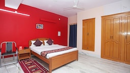 OYO 10994 Hotel Luxury INN