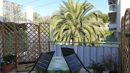 Apartment With 2 Bedrooms in Agde, With Pool Access, Furnished Terrace