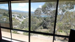 Kirwan Apartment 18 - Large Jindabyne Apartment