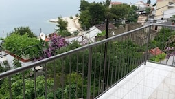 Apartment With 2 Bedrooms in Mastrinka, With Wonderful sea View, Furni