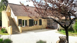 House With 2 Bedrooms in Marcillac-saint-quentin, With Enclosed Garden