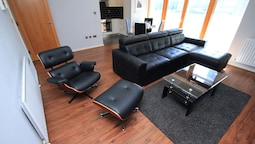 Grand Canal Quay Luxury Apt