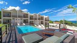 Nianna Coral Bay Deluxe Townhouse- 1