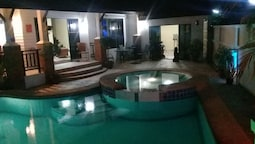 4 Bedroom House & Private Pool Pattaya