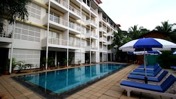 OYO 10042 Turtle Beach Resort 1
