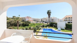 Apartment With one Bedroom in Albufeira, With Pool Access and Enclosed