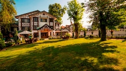 Lemon Tree Hotel Srinagar