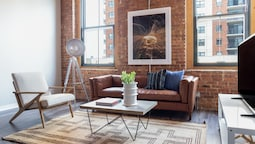 Bright South Loop Suites by Sonder