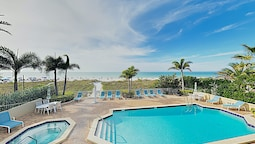 Oceanfront 3br W/ Pool 3 Bedroom Condo