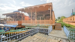 GuestHouser 3 BHK Houseboat d520