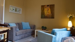 2 Bedroom Flat In Stockton