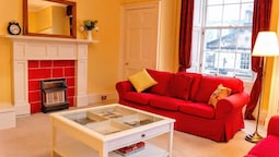 2 Bedroom Flat In The Central New Town