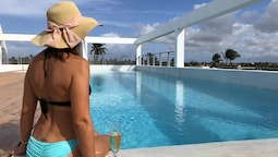 Ducassi Suites Rooftop Pool Beach Club & Spa