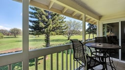Golf Course Views & Private! Lovely Renovated 2 Bed/2 Bath - Elima Lan