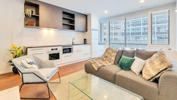 Chic & Stylish Apartment with Free Parking