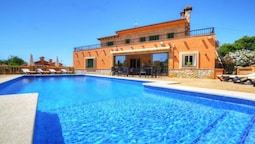 104567 -  Villa in Llucmajor