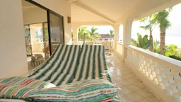 Casa de Las Flores 3 Bedrooms 3 Bathrooms Villa