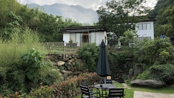 Anji Valley House Hotel