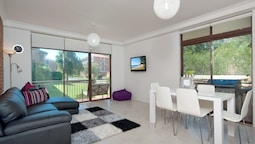 Kurranulla, Unit 1/15 Weatherly Close