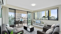 Broadbeach on the Park - We Accommodate