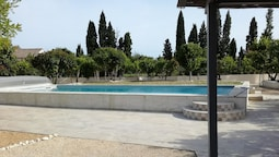 Apartment With 3 Bedrooms in Maillane, With Pool Access and Enclosed G