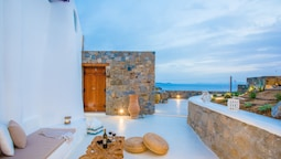 Argiro's Gorgeous Studio In Cycladic