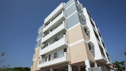 OYO 13058 Home Grand 3BHK ECR
