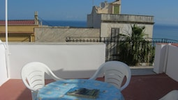Apartment With one Bedroom in Balestrate, With Wonderful sea View, Fur