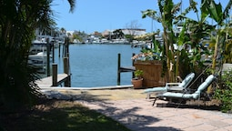 Oasis at John's Pass Madeira Beach