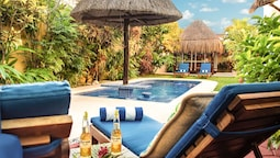 La Buena Vida Suites - Adults Only