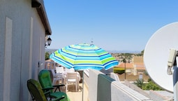 Apartment With 2 Bedrooms in El Chaparral, With Wonderful sea View, Sh