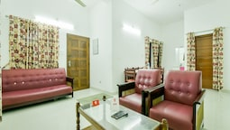 OYO 14038 Home Cozy Stay Edapally
