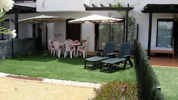 VenAVera D30B - Ground Garden 2Dorm / 1Bath Walk to Beach