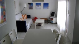 Venavera H21a - 2 Dorm / 1bath Walk to Beach