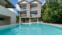 Alpha 8 on Waterson - Airlie Beach